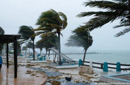 Huracán Grace sube a categoría 2 antes de tocar tierra otra vez en México