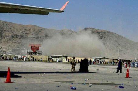 El Pentágono confirma una gran explosión en las afueras del aeropuerto de Kabul