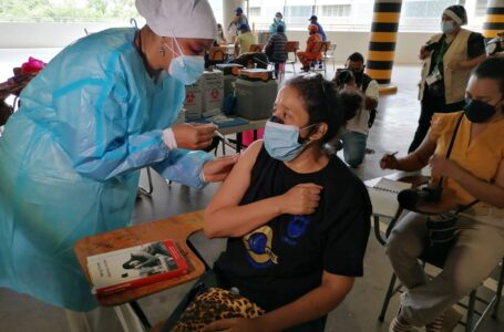 Científico hondureño califica de exitosa la combinación de vacunas con Sputnik V