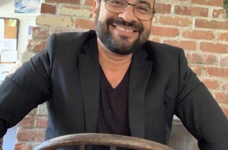 Escritor Óscar Estrada presenta nueva novela en honor a Juan Ramón Molina