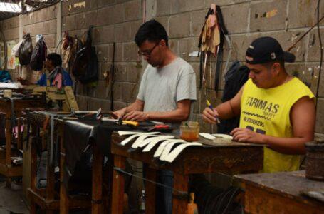 """Zapaterías están en crisis; """"La industria del calzado está muriendo"""", según propietarios"""
