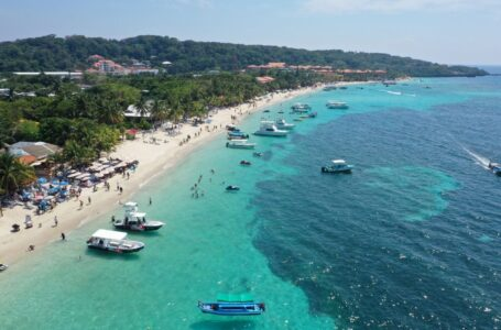 Roatán entre los 29 destinos más visitados en el mundo, según el portal de Bolavip