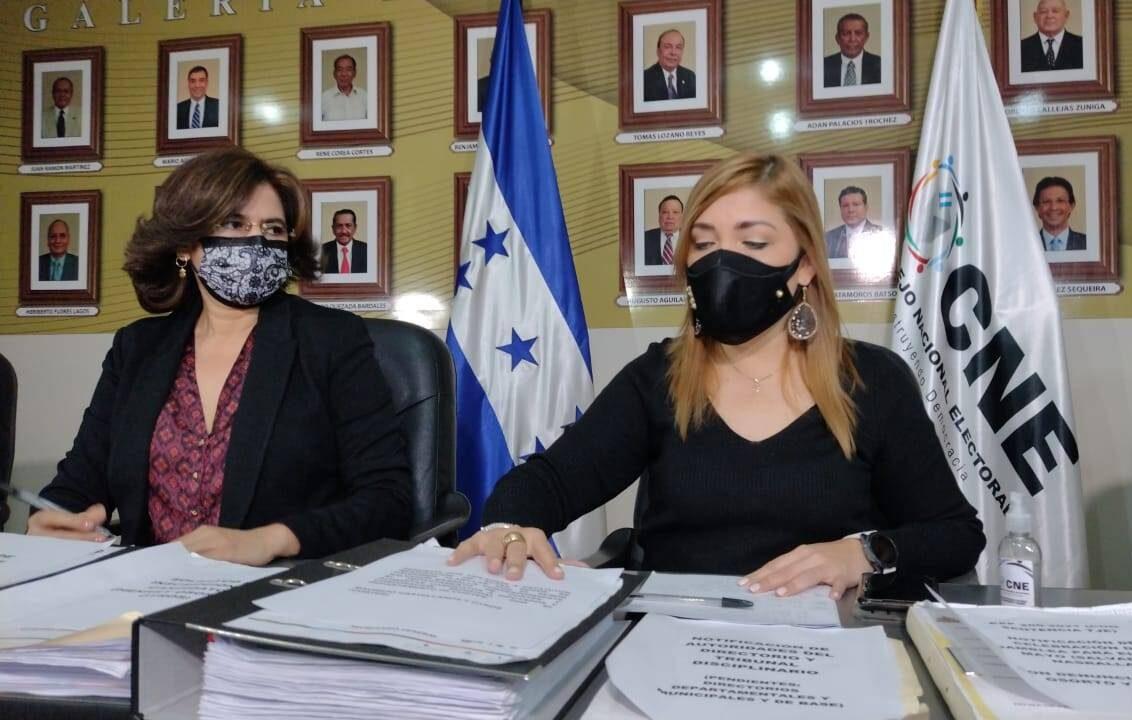 """Uno los acuerdos entre las bancadas es eliminar el """"bozal"""" a los consejeros del CNE"""