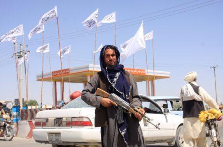 Los talibanes tomaron Kabul y el presidente Ghani abandonó Afganistán