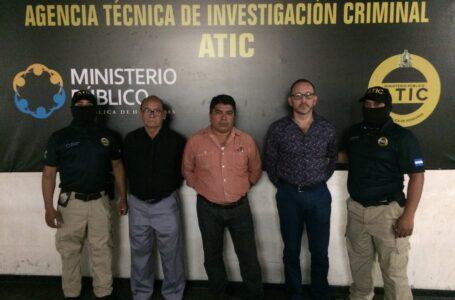 Condenan a exfuncionarios de Salud por fraude que dejó sin reactivos a pacientes con VIH/SIDA