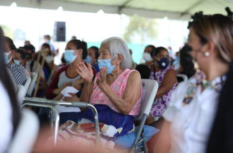 Iglesias y centros comerciales serán nuevos puntos de vacunación contra el COVID-19
