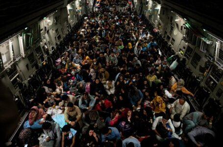 Evacuaciones desde Kabul, «uno de los puentes aéreos más difíciles de la historia»: Biden