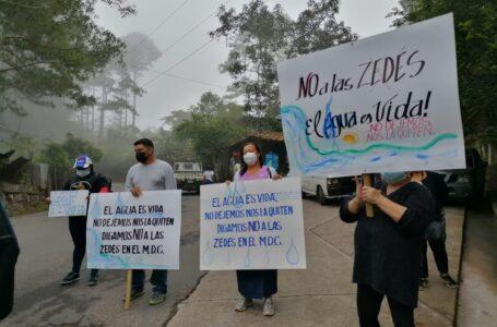 Pobladores de El Hatillo «protestan» contra las ZEDE y piden un cabildo abierto