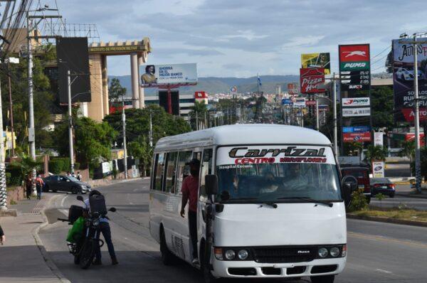 Transportistas anuncian paro la otra semana si el Gobierno no cumple con acuerdos
