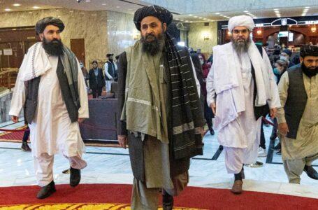 Director de la CIA se reúne en secreto con líder talibán en Kabul