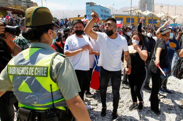 Vicepresidenta venezolana exigió a Chile respetar la integridad física de sus migrantes