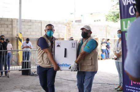 Honduras recibe lote de 105,300 vacunas compradas a Pfizer