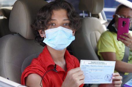 Médicos proponen que se exija carnet de vacunación en lugares públicos