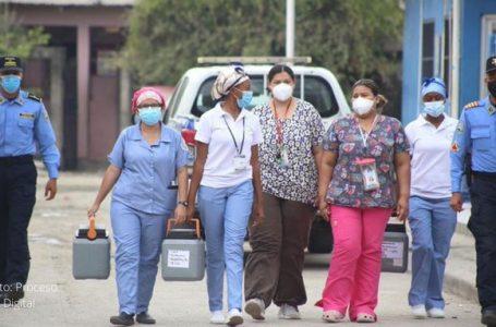 Decesos por COVID en el personal de salud han disminuido en un 86%