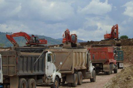 Formal procesamiento contra 32 personas por extracción ilegal de material en Comayagua