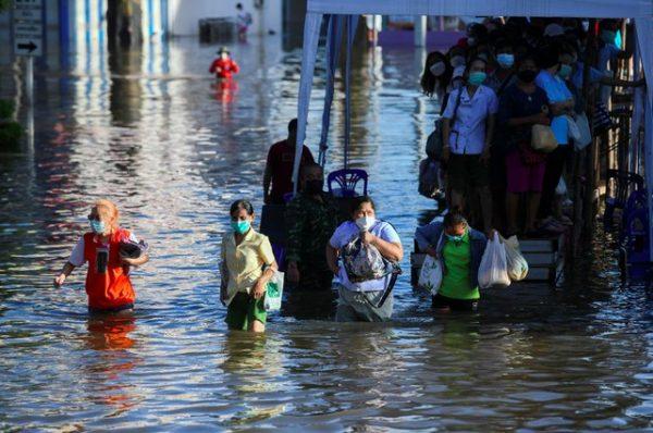 Al menos seis muertos por las inundaciones a causa de la tormenta 'Dianmu' en Tailandia