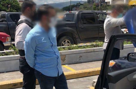 Uferco y ATIC detienen infraganti a funcionario de Salud con soborno en mano