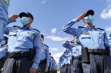 Alrededor de 120 policías han renunciado en los últimos días por maltrato y violación de DD.HH