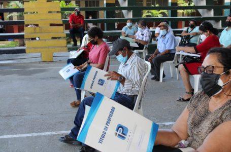 Unas 312 familias de El Progreso, Yoro reciben títulos de propiedad en dominio pleno