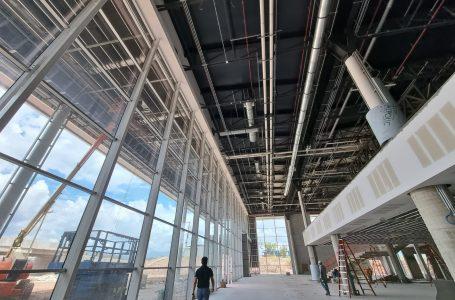 El aeropuerto Palmerola ya exhibe la belleza de sus interiores a medida avanza su construcción