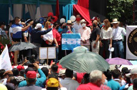 """Con desfile paralelo, Libre y organizaciones civiles dijeron """"no"""" a las ZEDE"""
