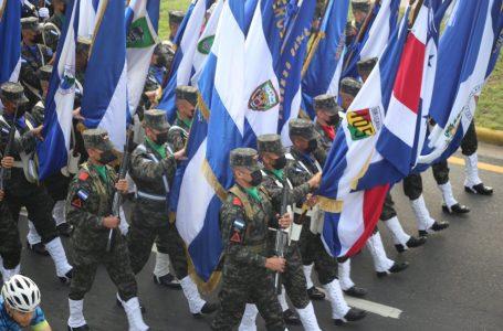 Sampedranos también celebraron Bicentenario con desfile cívico militar