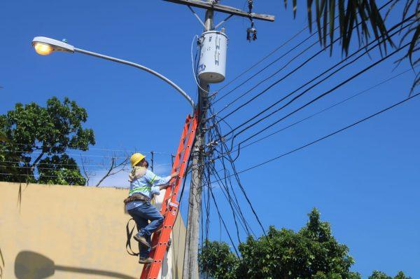 Encuentran enorme porcentaje de energía hurtada en primer día de operativos de ENEE/EEH