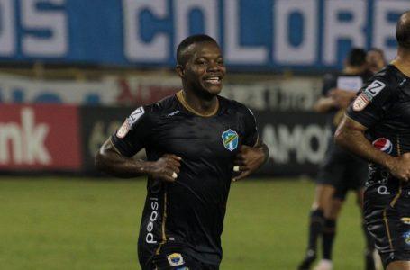 Hondureño Lacayo selló el pase de Comunicaciones a cuartos de final de Liga Concacaf