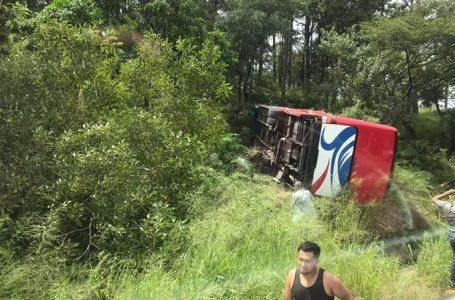 Accidente deja al menos 24 personas heridas en la carretea al sur