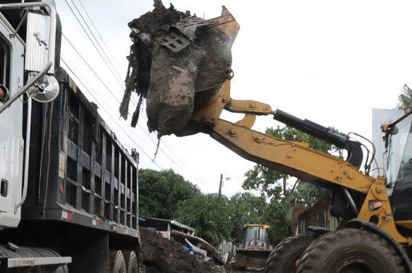 Unos L. 21,000 millones ha invertido el Gobierno en la construcción y reconstrucción de carreteras