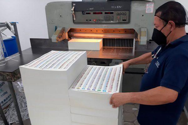 Siete empresas iniciaron la impresión de unos 15 millones de papeletas electorales