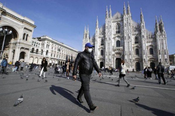 Italia planea extender la tercera dosis de vacuna a toda la población
