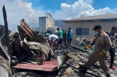 Gobierno asegura estar listo para la reconstrucción de Guanaja después del pavoroso incendio