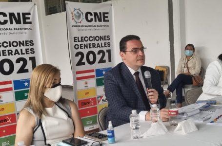"""Presidente del CNE asegura que la democracia """"no se improvisa"""", mientras avanzan a las elecciones"""