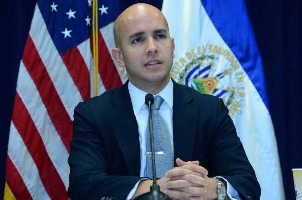 """Asesor de Biden advierte que """"hay que evitar que El Salvador se vuelva otra Venezuela"""""""