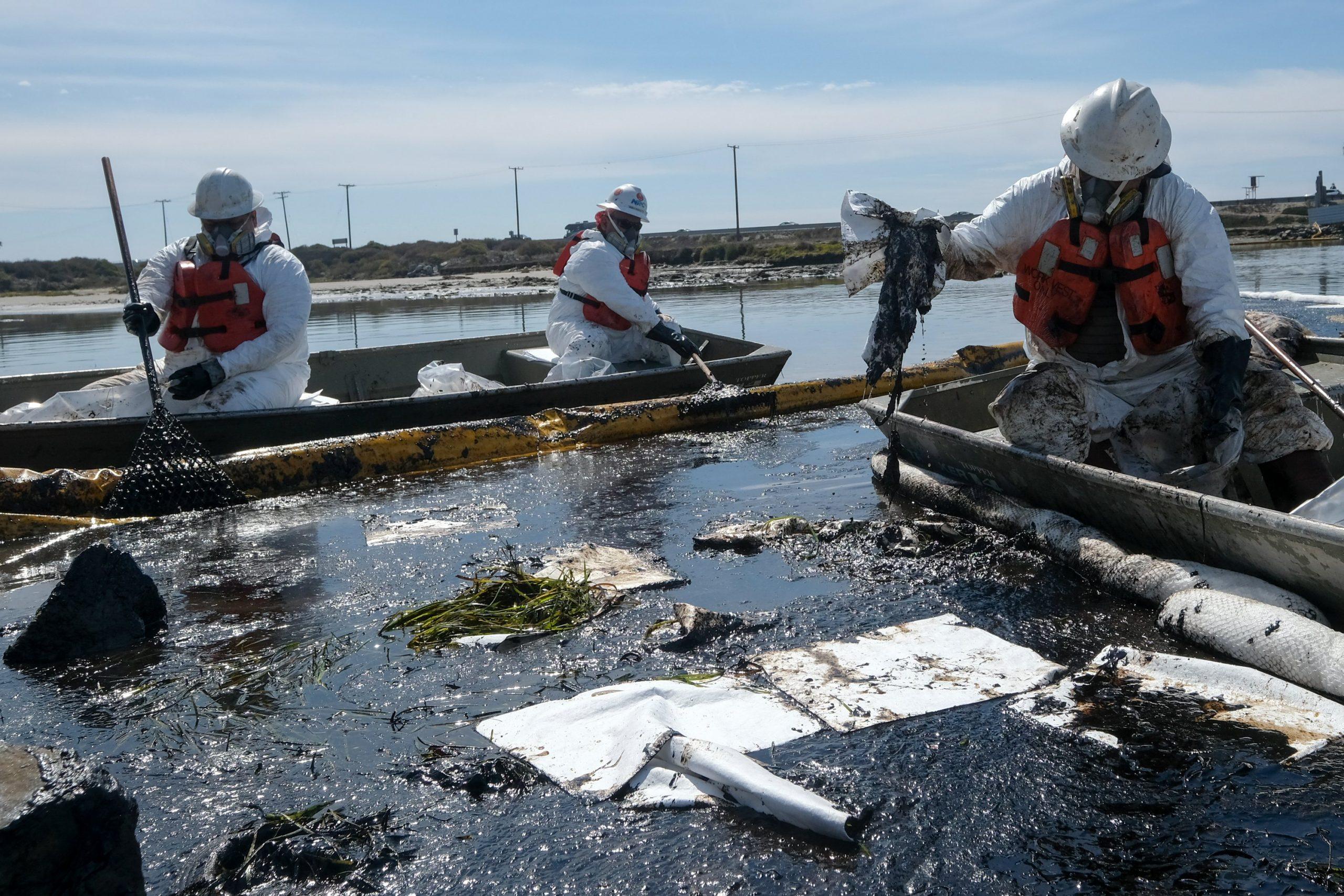 """""""Desastre ecológico"""" en el sur de California tras un derrame de petróleo"""