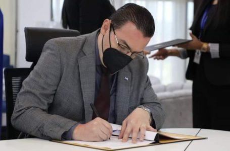 Finalmente firmado el contrato con la empresa argentina encargada del TREP