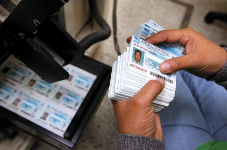 CN analiza la posibilidad de extender vigencia de la actual tarjeta de identidad