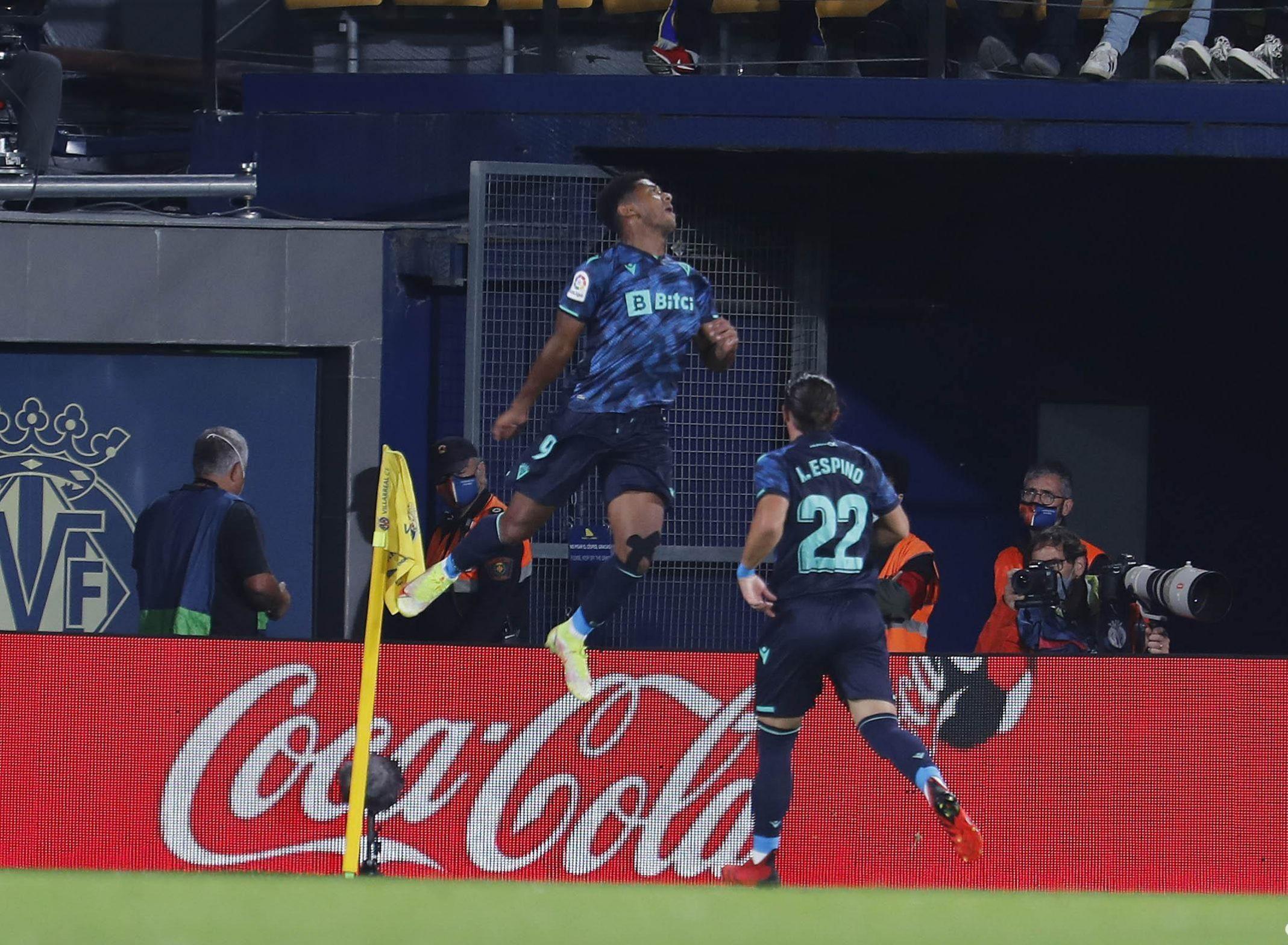 """""""Choco"""" Lozano hace historia anotando Hat-Trick con el Cádiz ante Villarreal"""