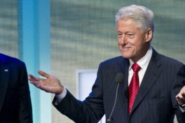 Hospitalizan a expresidente Clinton por infección en EE. UU