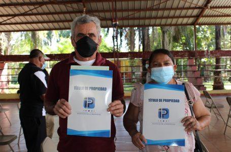 Continúa entrega de títulos de propiedad a más familias hondureñas