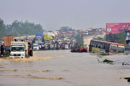 Más de 100 muertos en India y Nepal por las lluvias de los últimos días