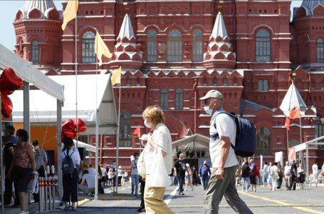 Rusia declara una semana de receso por propagación de Covid-19